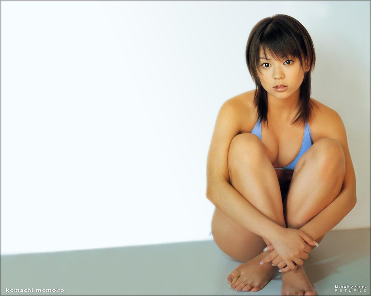 小町桃子さんの水着