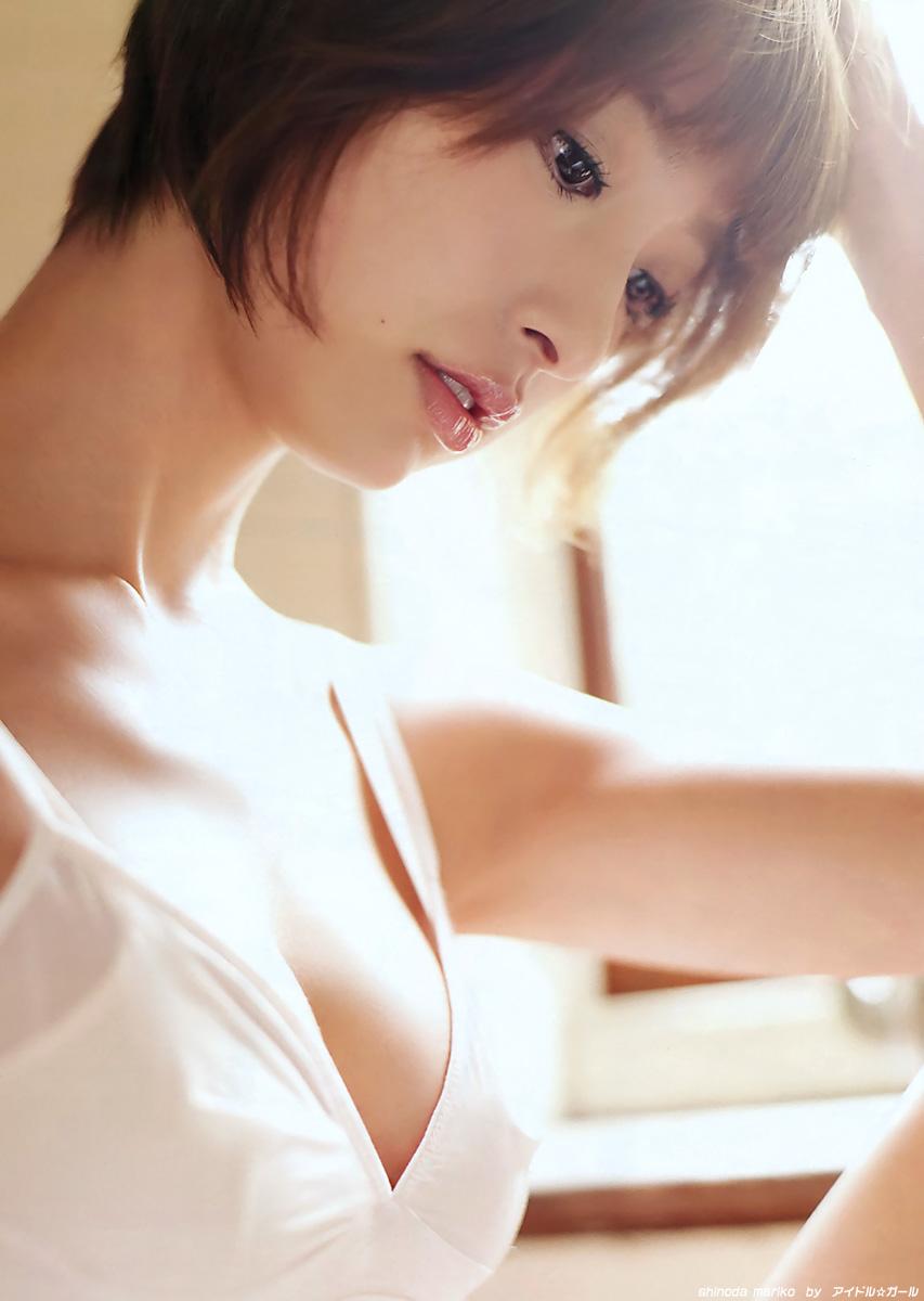 篠田麻里子の画像