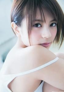吉崎綾の画像