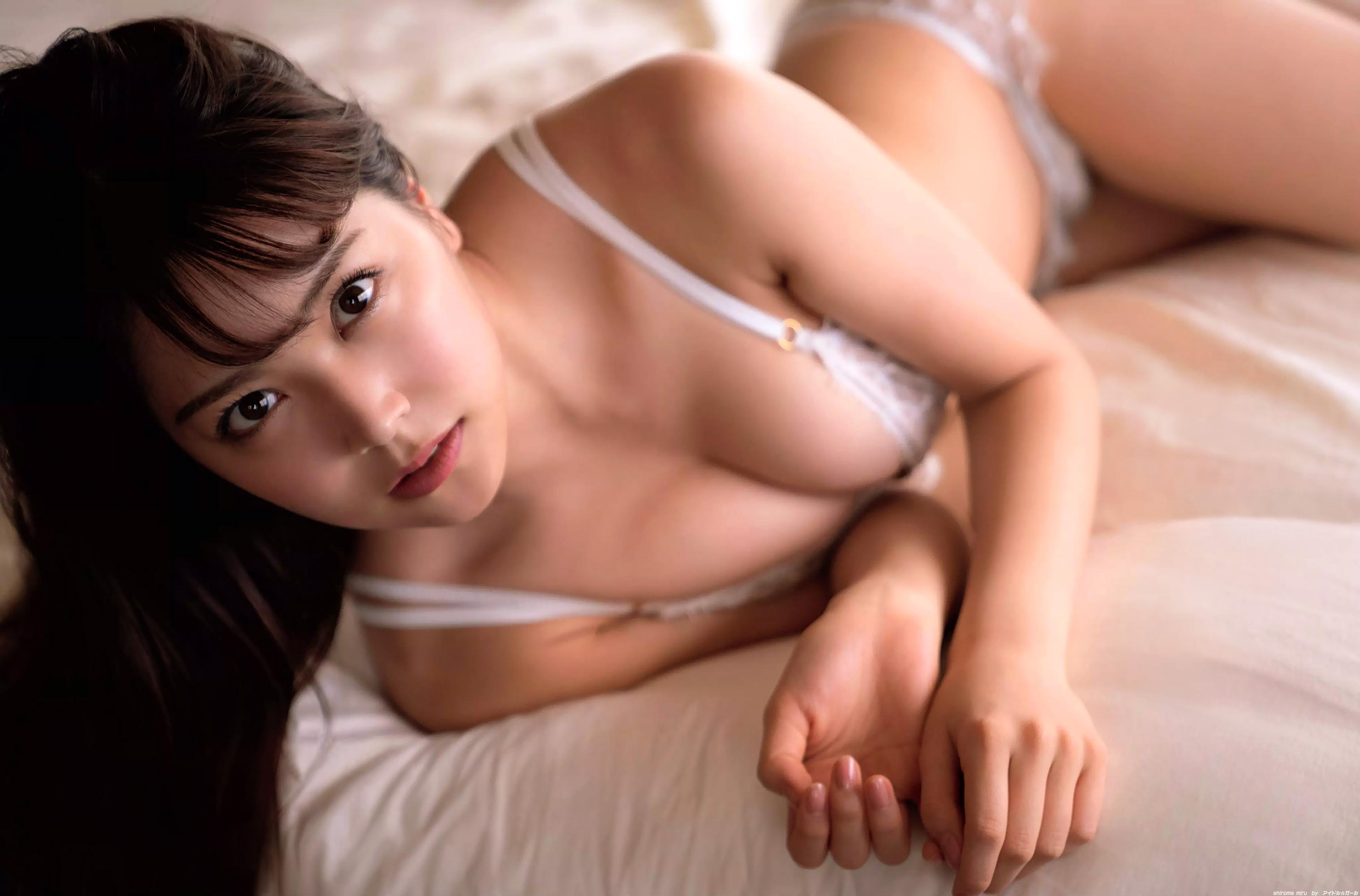 白間美瑠の画像096