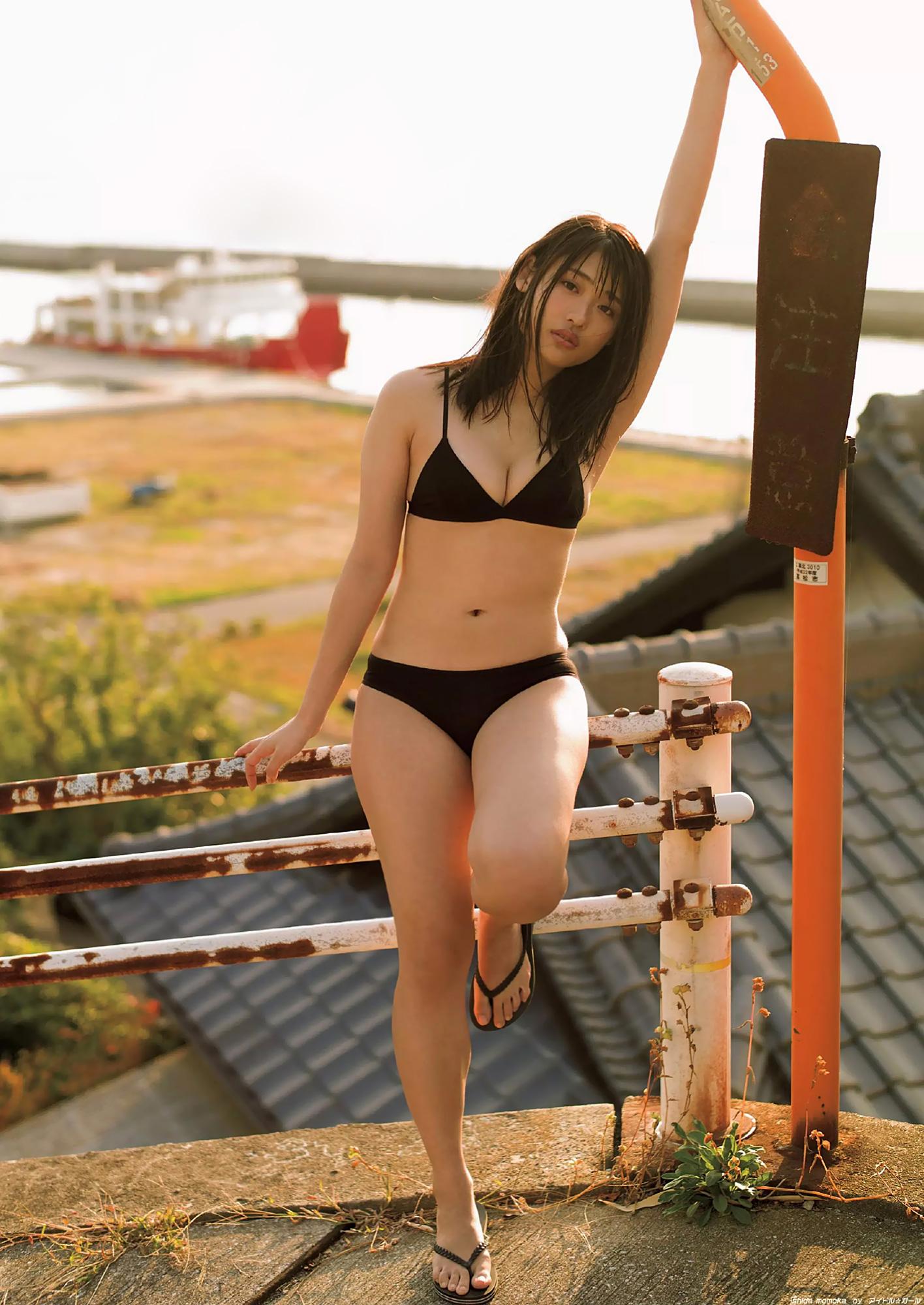 石田桃香の画像026